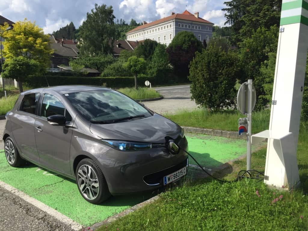 Schnelladen des Renault ZOE bei Gmünd in Österreich
