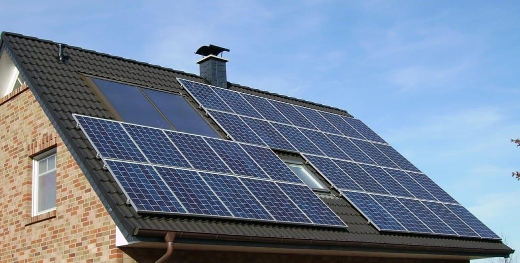 Elektroautos laden mit Solarstrom